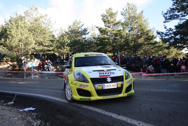 El equipo Suzuki-Repsol iniciará su temporada 2014 en Portugal
