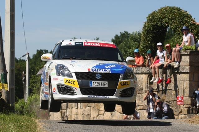 Adrián Díaz gana la Copa Suzuki Swift en el 47 Rallye de Ourense
