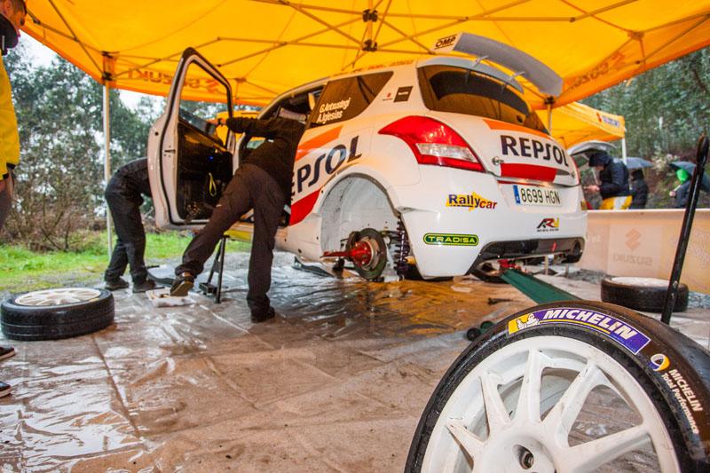 Equipo Suzuki-Repsol, primeros kilómetros con Michelin