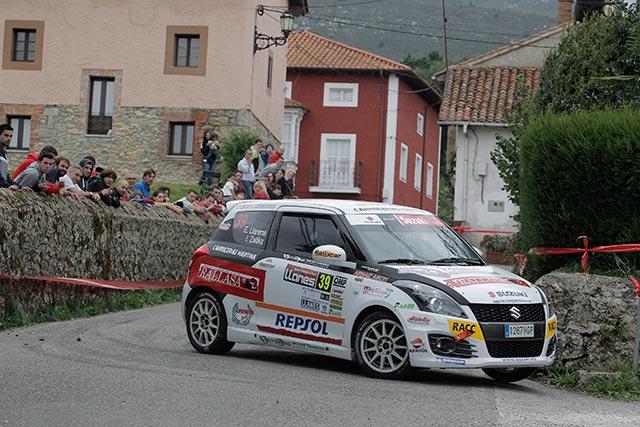 Efrén Llarena ganador de la Copa Suzuki Swift en el 39 Rallye de Llanes