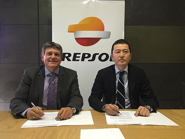 Suzuki Ibérica y Repsol renuevan su contrato hasta 2019