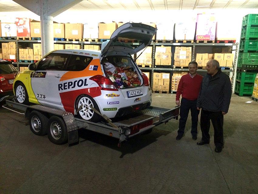 El equipo Suzuki-Repsol y la Escudería Ferrol entregan 500 kg. de alimentos