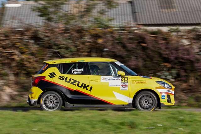 El Suzuki Swift de la Copa 2019 afina sus reglajes en el Rallye de A Coruña