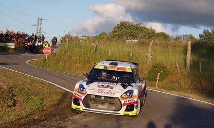 Joan Vinyes y Jordi Mercader en el podium del 52 Rallye de Ourense