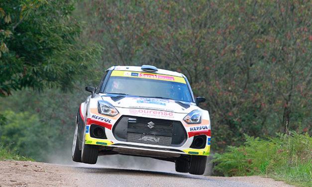 Joan Vinyes y Jordi Mercader en el podium del 56 Rally Princesa de Asturias